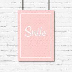 napis smile na plakacie