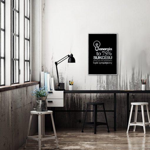 plakat ze srebrnym motto