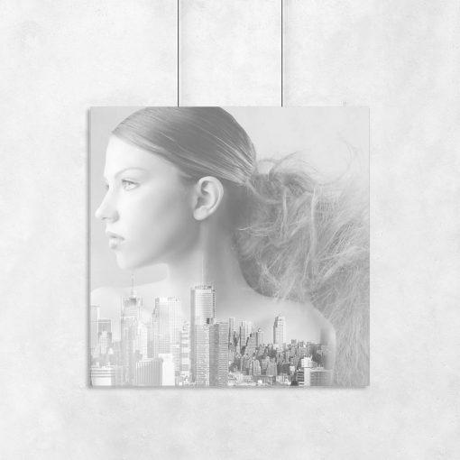 kobieta i wieżowce