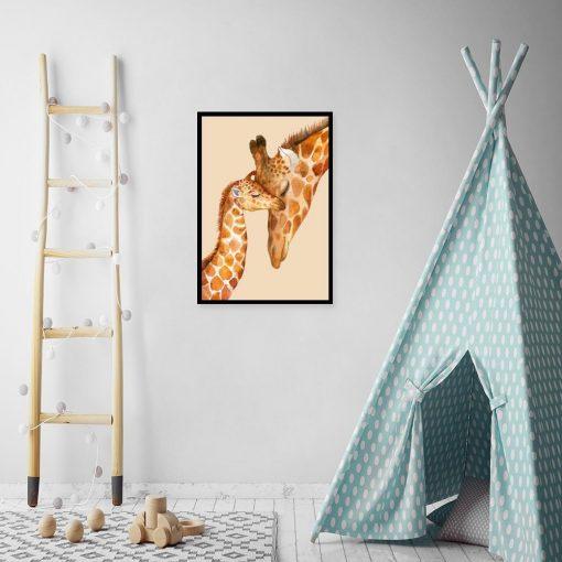 ścienna dekoracja z żyrafkami