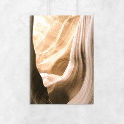 Plakat abstrakcyjny z motywem skały