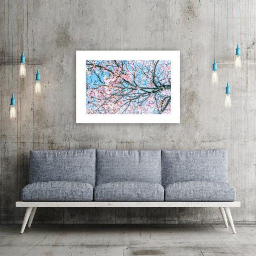 Plakat kwiaty na drzewie