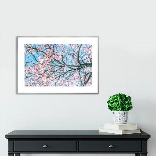 Plakat z gałęziami drzewa