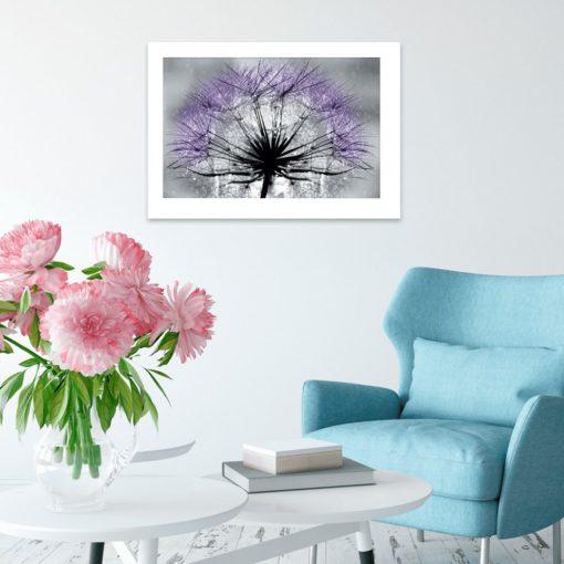 plakat z fioletowym dmuchawcem na ścianę salonu