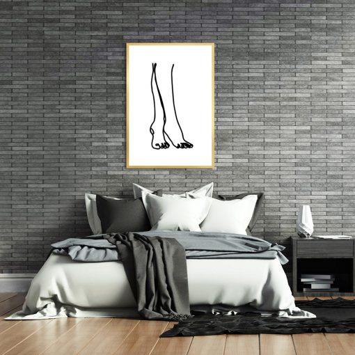 plakat ze szkicem nóg kobiety