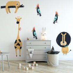 naklejka z kolorowymi elementami do pokoju dziecka