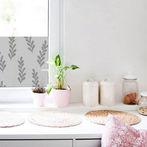 naklejka na okno do kuchni z liściastym motywem