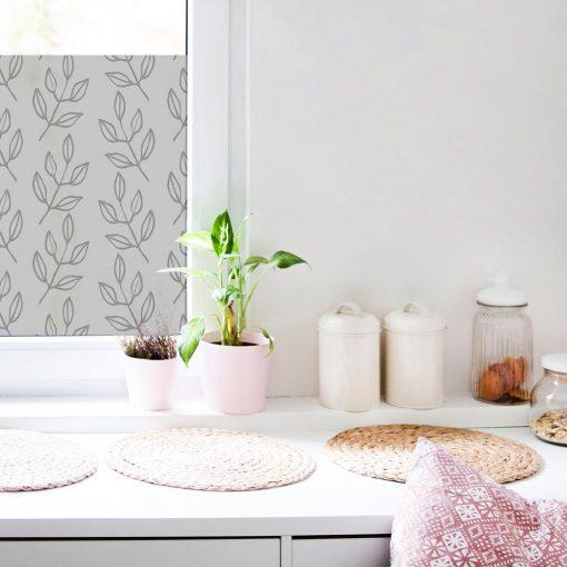 naklejka na okno do kuchni z liściastym wzorem