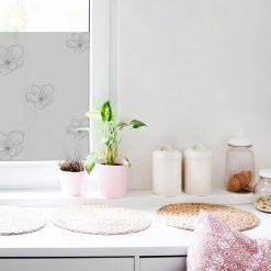 firanka samoprzylepna z kwiatami do kuchni
