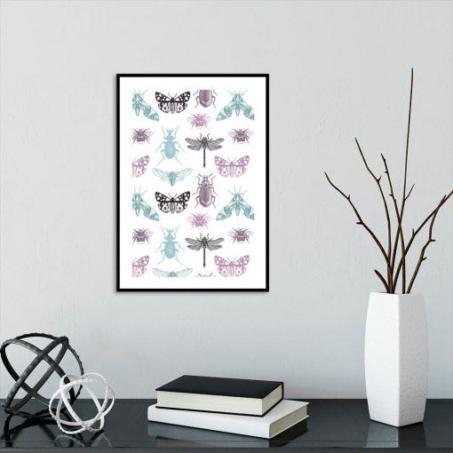 plakat z motywem owadów