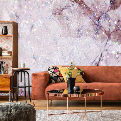 różowy marmur jako główny motyw ściennej tapety