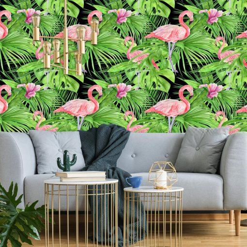 zielona dekoracja ścienna z liśćmi i flamingami