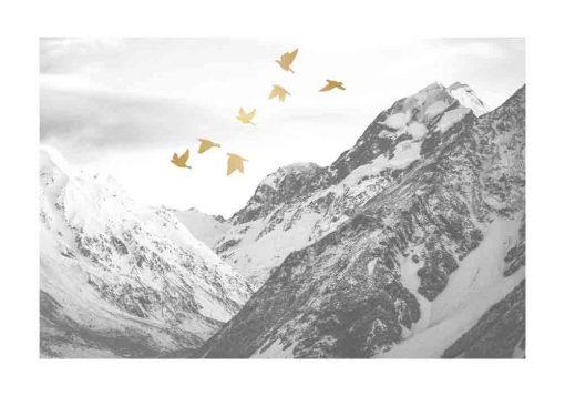 Plakat z ptakami pośród gór