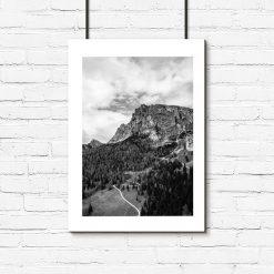 Plakat z górami do salonu