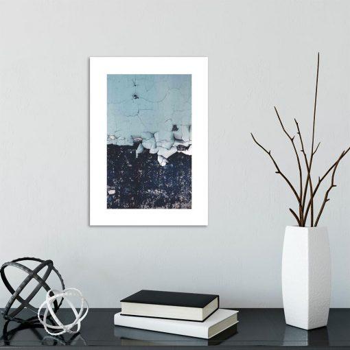 plakat do sypialni - niebieska ściana