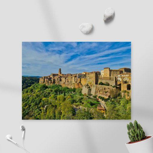 Plakat z miasteczkiem Pitigliano do biura podróży
