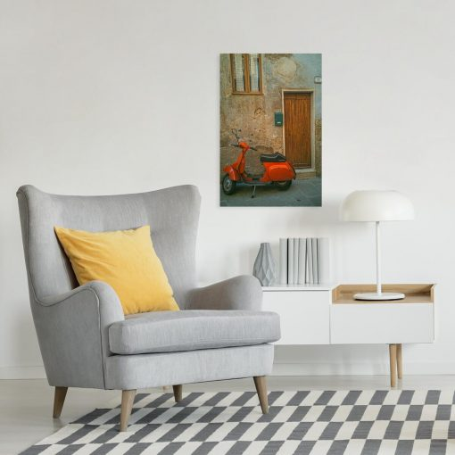 Obraz z pomarańczowym skuterem przed drzwiami