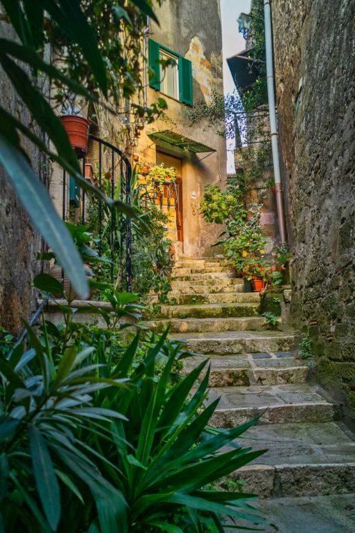 Obraz wąska uliczka i schody