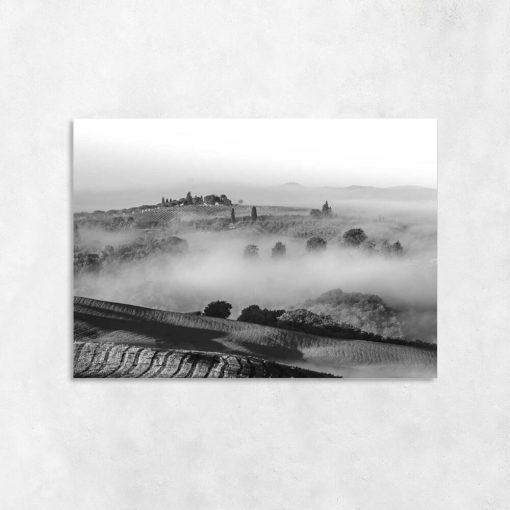 Czarno-biały obraz - Pola we mgle do salonu