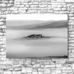 Czarno-biały obraz z widoczkiem górskim do salonu