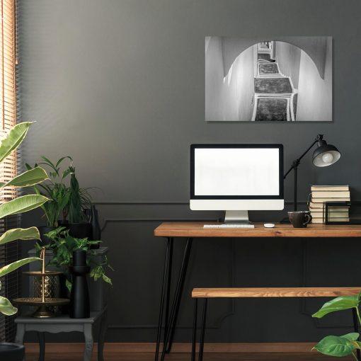 Czarno-biały obraz z zabudową na Santorini do dekoracji biura