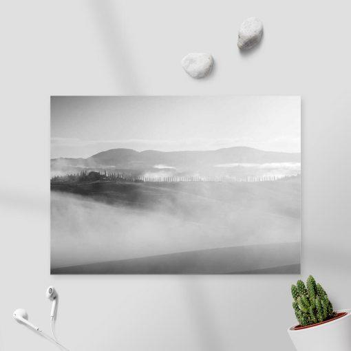 Obraz z szarymi górami do dekoracji nowoczesnych wnętrz