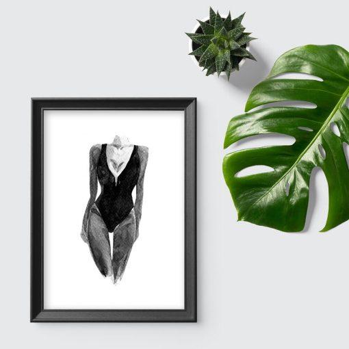 Szary plakat z kobietą w stroju