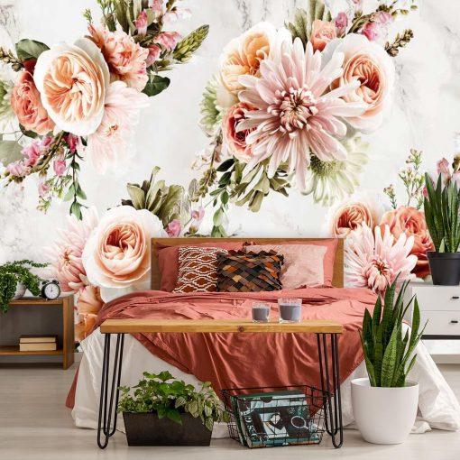 Foto-tapeta z kwiatami na tle marmuru