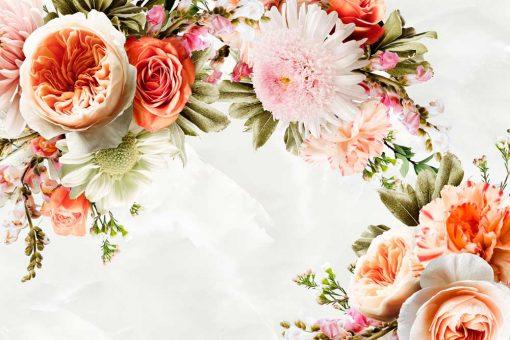 Tapeta z ogrodowymi kwiatami do montaży w salonie