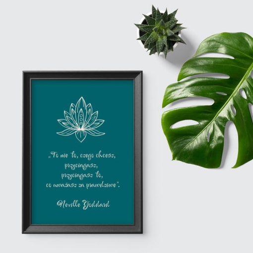 Zielony plakat z lotosem i sentencją