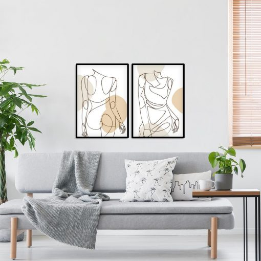 Dwa plakaty z kobietą