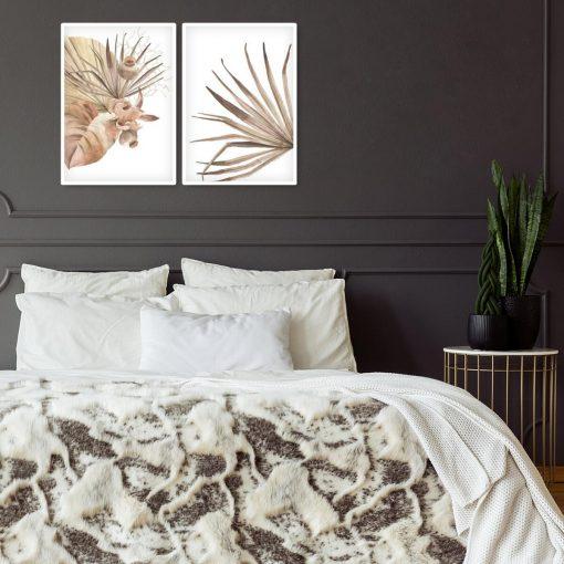 Liście palmy na plakatowym dyptyku